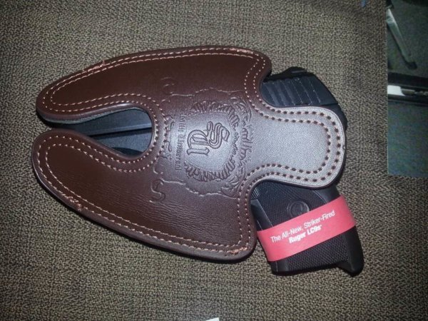Ruger LC9s Subcompact Leather Holster